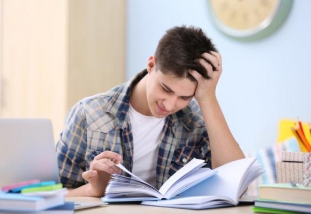 """Thời gian nào học tiếng Hàn Quốc """"đỉnh"""" nhất trong ngày?"""